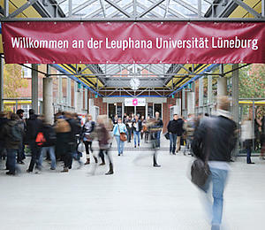 profiles teaser Bachelor._Studium_an_der_Leuphana_Universitaet_Lueneburg_05.jpg