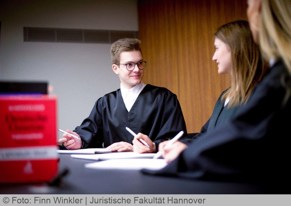 Rechtswissenschaften Uni